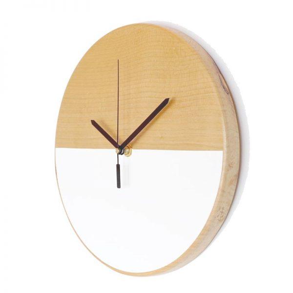 Reloj-de-pared-patagonia-madera-blanco-agujas-negras