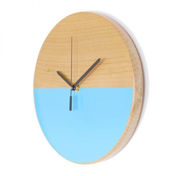 Reloj-de-pared-patagonia-madera-celeste-agujas-negras